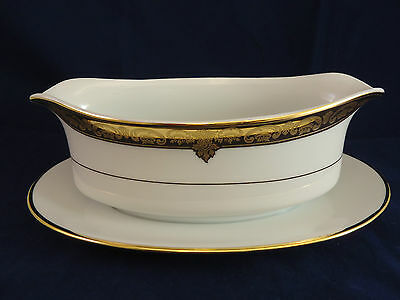 Wallace Porcelain Grande Baroque Gravy Boat with attached Underplate