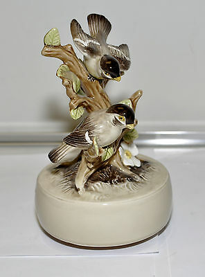 Vintage 1979 Otagiri Birds Music Box Handpaited  SING Mint