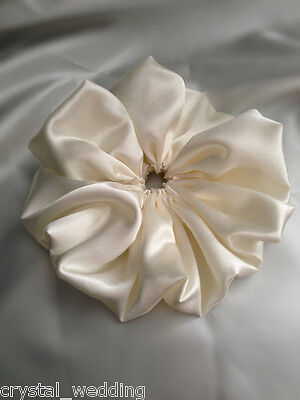 Satin bouquet collar frill  - Add the finishing touch to your DIY bouquet
