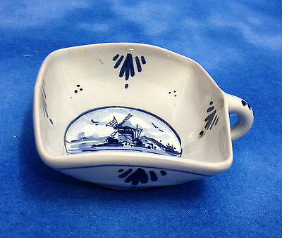 VINTAGE ART POTTERY DELFT HOLLAND HAND PAINTED SQUARE CUP CRAZING NO DAMAGE