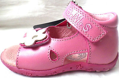 NEW BUCKLE MY SHOE  LEATHER SANDALS CHILDS  HOLIDAY SHOES EASY ON OFF    posie