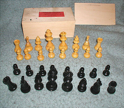 Staunton No. 4 Chess Set Boxwood Chessmen Firwood Box Made in France