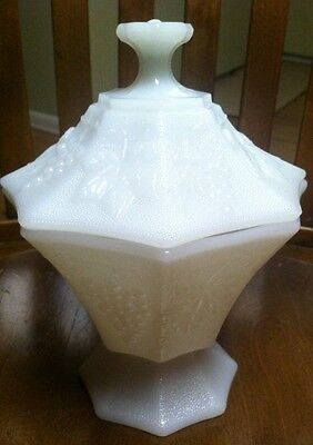 INDIANA EXC. WHITE MILK GLASS PEDESTAL HARVEST GRAPES CANDY DISH/COMPOTE/ LID