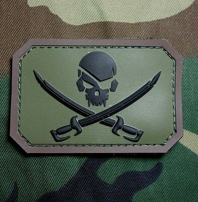 Pvc Pirate Skull & Swords 3D Pvc Flag Us Usa Army Military Forest Hook Patch