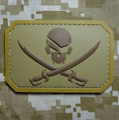 Pvc Pirate Skull & Swords 3D Pvc Flag Us Usa Army Military Desert Hook Patch