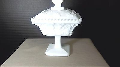 "WESTMORELAND GLASS PANELED GRAPE PATTERN MILK GLASS 5"" SQUARE CANDY DISH"