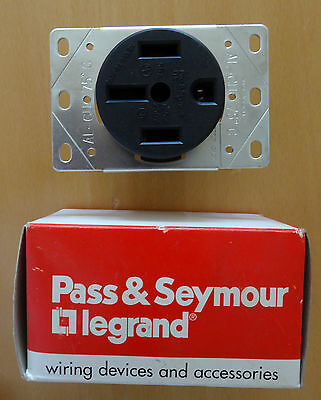 PASS & SEYMOUR 3894 Legrand 50-Amp Flush-Mount Power Outlet 4 WIRE