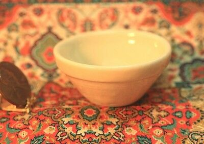 "Dollhouse Miniature Large ""Stoneware Look"" Mixing Bowl in Crème"