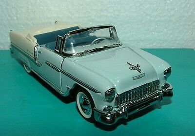 """1987 FRANKLIN MINT  CLASSIC CARS OF THE 50's   """"1955 CHEVROLET BEL AIR 1:43"""