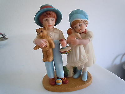 Vintage Jan Hagara Figurine Betsy and Jimmy #8728 Free Shipping