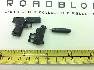 1/6 hot toys G.I Joe Retaliation RoadBlock MMS199 -  pistol + Silencer