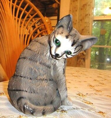 """VINTAGE GRAY TABBY CAT PORCELAIN 5"""" TALL VERY BEAUTIFUL"""