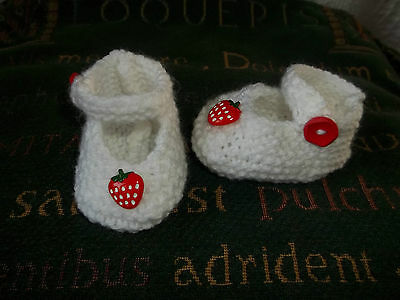 BN HAND KNITTED TEDDY CLOTHES STRAWBERRY SHOES TO FIT APPROX 11 TO 12 INCH BEAR