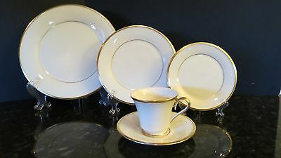 Lenox ETERNAL China Single Place Settings ~ Five Pieces Total Minty