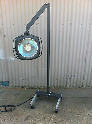 Castle Surgical Light w/ Mobile Stand, Model 2410M