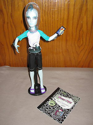 Brand New! Loose Gil Webber Boy Doll Monster High Manster Style Outfit  Stand