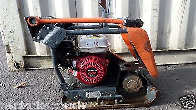 Belle 13/40 Heavy Duty Vibrating Plate Compactor With Honda  Engine
