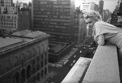Marilyn Monroe in New York Art Canvas Poster Print Iconic Movie Star Pinup Girl