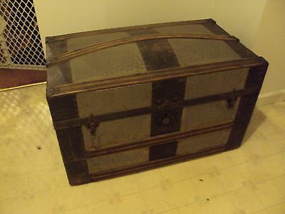 Large Antique Wooden Storage Dome Top Steamer Trunk Travel Chest Built In Wheels