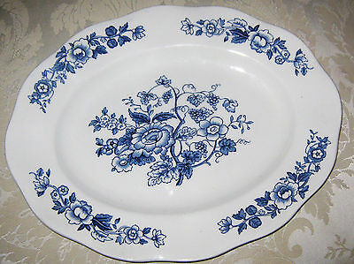 """Wedgwood England, Windermere Blue and White 12"""" platter, mint condition"""