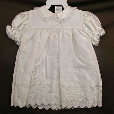 Vintage Baby Infant  0 - 6 months Christening Baptism Gown With Bonnet Ivory