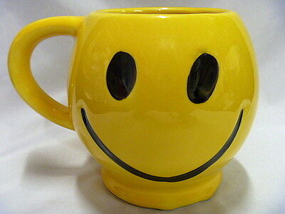 Vintage 1970's McCoy Art Pottery SMILEY HAPPY FACE MUG Bright Yellow USA
