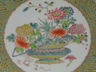 Chinese Famille Rose porcelain Big Plate Painted Diverse flowers Qianlong mark