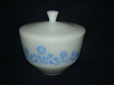 Federal Glass 1 1/2 Quart Mixing Bowl With Lid Cornflower Pattern
