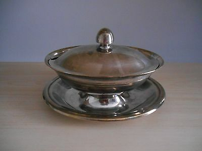 Vintage Silver Plate Gravy Sauce Boat with Attaced under plate REED & BARTON