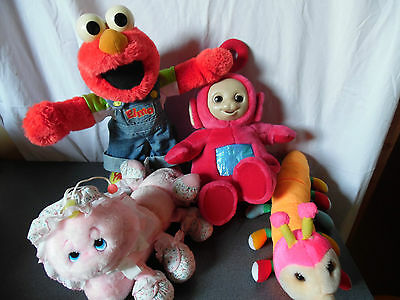 Vintage lot de 4 peluches ( Elmo / A lot of leggggggs / Teletubbies )