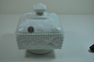 VINTAGE WESTMORELAND MILK GLASS COVERED CANDY DISH