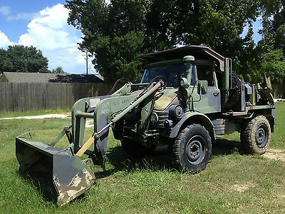 1989 Unimog/Freightliner, Small Emplacement Excavator (SEE)
