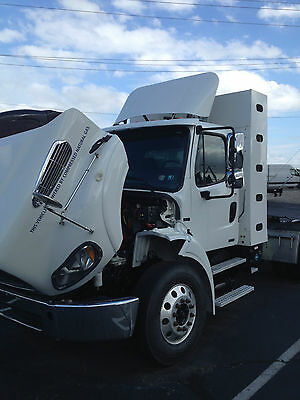 2013 Freightliner M2112 CNG day cab very nice semi truck