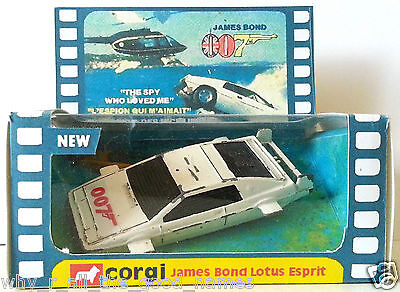 Corgi Juniors JAMES BOND 007 LOTUS ESPRIT Diecast Model Car & Mini Repro Box [1]
