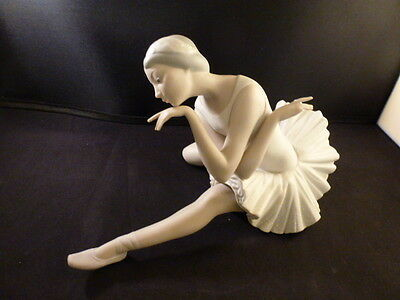 """VINTAGE, Lladro`s BALLERINA """"THE DEATH OF THE SWAN"""" SCULPTED   VINCENTE MARTINEZ"""