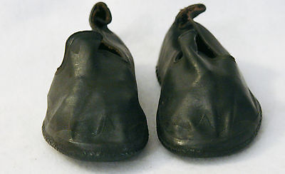 VINTAGE PAIR OF CHILDS RUBBER SHOE COVERS - U.S. RUBBER CO.