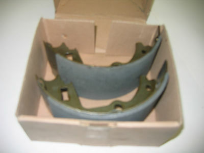 NEW OLD STOCK LAND ROVER BRAKE SHOES STC2880R SERIES DEFENDER 101 FORWARD RANGE
