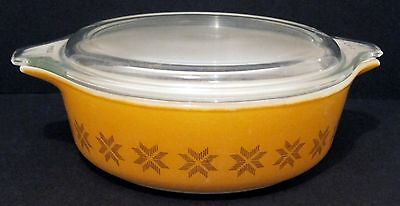 PYREX CASSEROLE #471 WITH LID - 1 PINT - YELLOW ORANGE TOWN & COUNTRY - VINTAGE