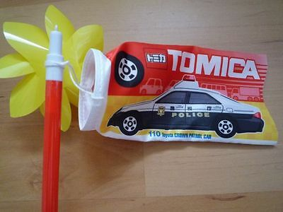 Tomica original handheld spin wheel with flag & pole Takara Tomy Toyota Crown