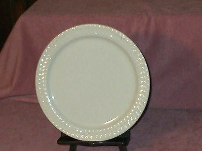 SYRACUSE CHINA COMPANY 10'' WHITE DINNER PLATE WITH LEAF DESIGN -  USA