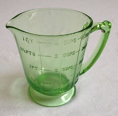 Vintage Green Glass Footed 4 Cup Measuring Cup Great Pre-Owned Condition!