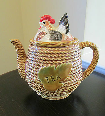 Adorable Vintage Made in Japan Hen on Nest Chicken Teapot