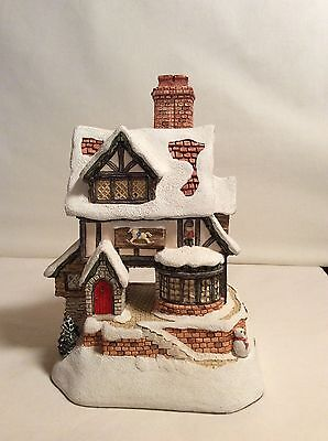 "David Winter Cottage ""The Toy Maker"" Signed By Artist - Excellent Condition"