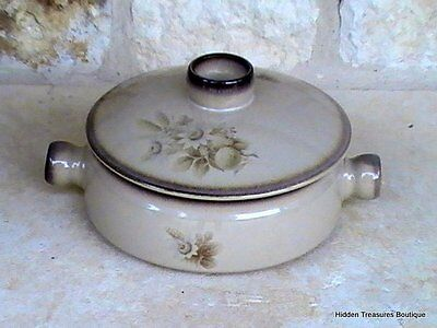 Denby Memories Covered Casserole 1.25 Qt Handcrafted Stoneware Brown Tan Floral