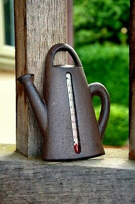 AD019 Watering Can Shaped Garden Thermometer