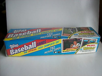 Topps 1992 Official MLB Complete Set. 792 Picture cards + 10 Gold Series