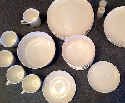 Signed Centura by Corning Pure White 26 Pieces