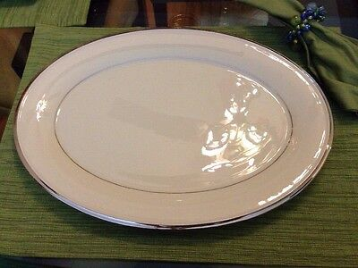 LENOX Solitaire (Ivory) With Platinum Trim 16' Oval Platter