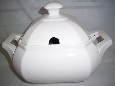 white soup tureen with lid octogonal stamped HC on bottom