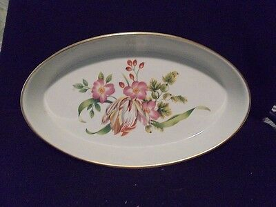Oval Baker by Royal Worcester Oven to Table Ware Pershoe 1978